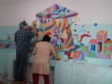 Иркутские художники на радость детишкам расписали стены в областном детском хосписе