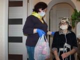 Более 350 млн рублей из федерации получит Иркутская область на «коронавирусные доплаты» соцработникам